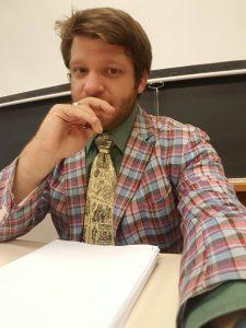 Look at that blazer/tie combo!